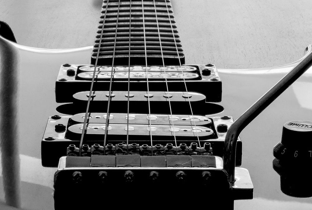 Electric Guitars That Can Hold the Longest String Vibration